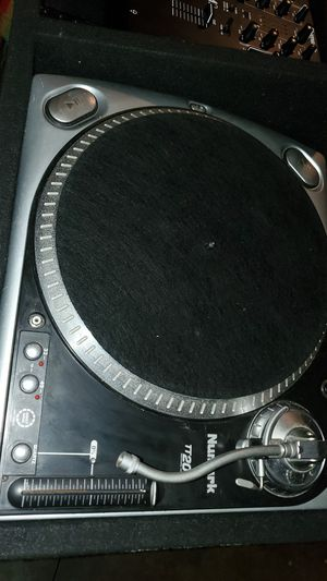 NUMARK TT200 turntables and mixer in Odyssey carpeted carrying case. for Sale in Richland, WA