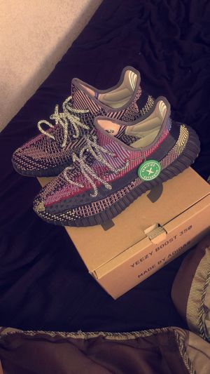 Adidas yeezy boost 350 Size 10.5 for Sale in Hayward, CA