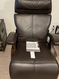 Zero Gravity Recliner Chair from Relax The Back-Brand New! for Sale in Issaquah,  WA