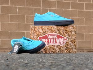 1 PAIR of VANS LIMITED-EDITION EPOCH '94 PRO Dead Stock for Sale in Renton, WA