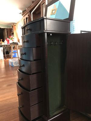Jewelry organizer! for Sale in Raleigh, NC