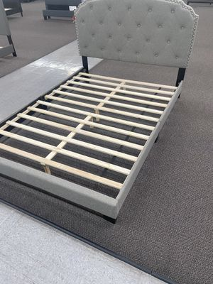 Cama disponible for Sale in Anaheim, CA