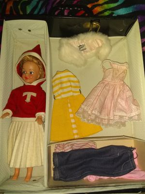 1961 Barbie with case and clothes for Sale in Lancaster, OH