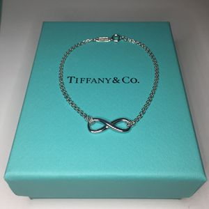 Tiffany & Co. Silver Infinity Bracelet size M 6.75 inches long for Sale in La Mirada, CA