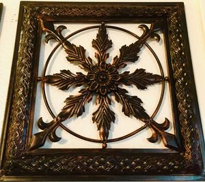 Metal decorative wall - H15xW15 inch for Sale in Chandler, AZ