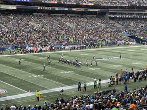 2 Tickets for Seahawks vs Cardinals w/ parking pass for Sale in Bothell, WA