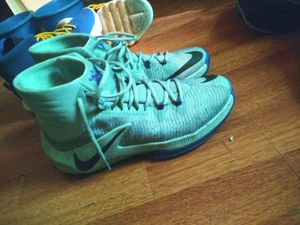 Nike Lebrons Size 10 for Sale in Puyallup, WA
