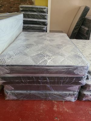 Queen regular mattress set for Sale in Fresno, CA