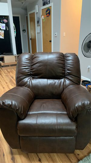 Recliner & couch for Sale in Monroe, WA