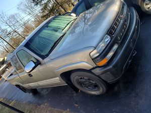 2002 chevy Silverado lt 1500 4x4 for Sale in North Haven, CT
