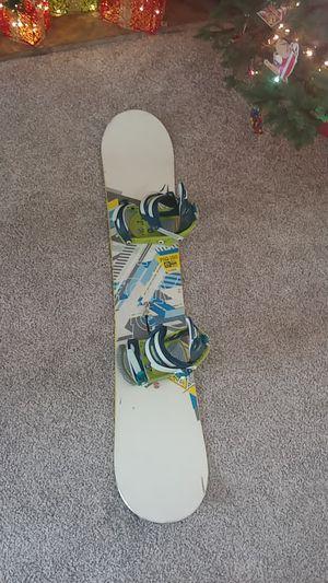 Burton PIQ Snowboard with Burton Custom Bindings for Sale in Oregon City, OR
