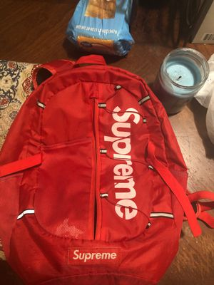 Red supreme backpack for Sale in Berkeley, MO