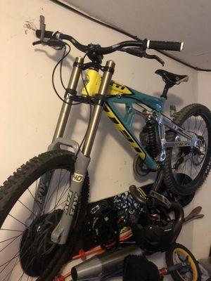 Yetti downhill bike for Sale in Sacramento, CA