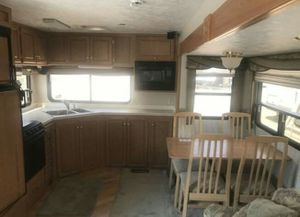 5th Wheel Camper Trailer - 2002 Alpenlite Riviera 29RK for Sale in Seattle, WA