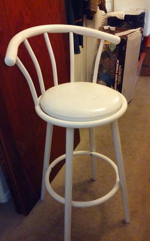 Single bar stool tall. Cheyenne and Decatur Pick-up see pics for Sale in Las Vegas, NV