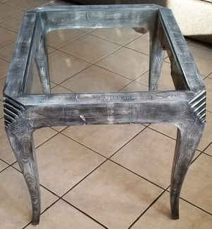 Solid wood glass top end table for Sale in Fort Wayne, IN