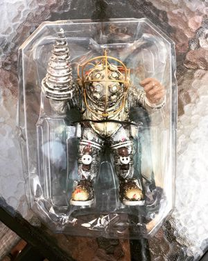 BioShock Big Daddy Limited Edition RARE Vintage Collector Figurine Action Figure for Sale in San Jose, CA