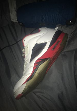 Jordan Retro 5 for Sale in Wrightstown, NJ