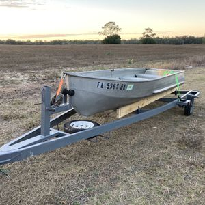 Boat And Trailer for Sale in Dade City, FL