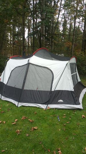 8 man family cabin tent for Sale in Puyallup, WA