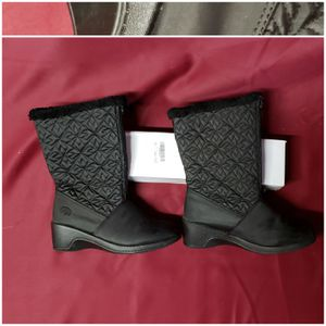 Waterproof Totes Black Boots Sz 6 NWOT Christmas for Sale in Romansville, PA