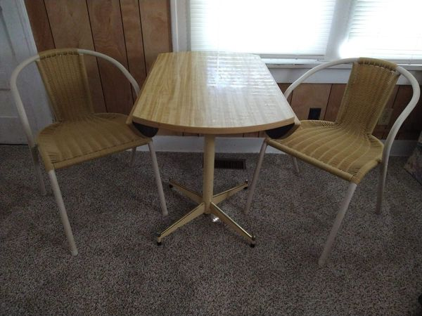 Dining table w/chairs set