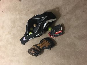 Baseball gloves for Sale in Baltimore, MD