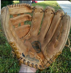 "VINTAGE RAWLINGS SOFTBALL / BASEBALL GLOVE RSG3 13"" EXCELLENT FOR THAT ONCE A YEAR GAME VERY COMFORTABLE GLOVE ALL LEATHER for Sale in Boca Raton, FL"