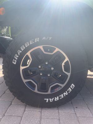 Jeep rims and tires for Sale in VLG WELLINGTN, FL