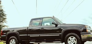 2003 CHEVY SILVERADO LTZ LIFTED*NAVIG*REVER CAM*CLEAN TITLE*LIKE NEW! for Sale in Miami, FL