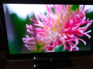 """Sharp LC-52LE810UN 52"""" FULL 1080p LED TV AQUOS Net with Netflix for Sale in Palatine, IL"""