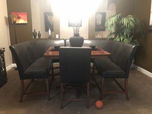 Dining room table for Sale in Chuluota, FL