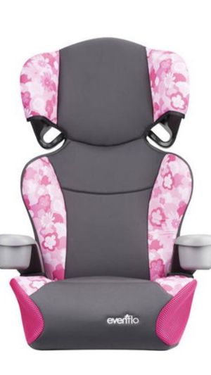 Pink car seat pink booster seat for Sale in Bothell, WA