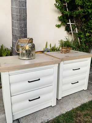 Beautiful Nightstands / End Tables for Sale in Spring Valley, CA