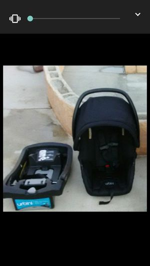 Urbini infant car seat$40 for Sale in March Air Reserve Base, CA