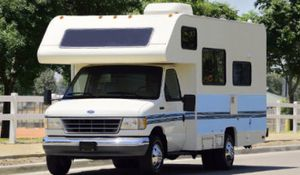 Urgent for sale.Beautiful Ford Fleetwood Jamboree Needs.Nothing 4WDWheelss for Sale in Ontario, CA