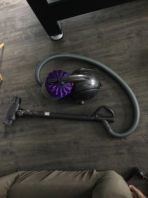 Dyson DC39 for Sale in Fuquay Varina, NC