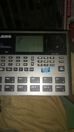 Alesis sr18 drum machine for Sale in Conroe,  TX