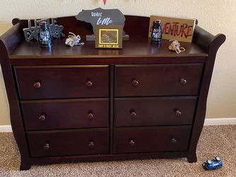 Crib With Changing Table, Dresser, And Night Stand for Sale in Temple,  TX
