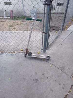 Free for Sale in South Gate, CA