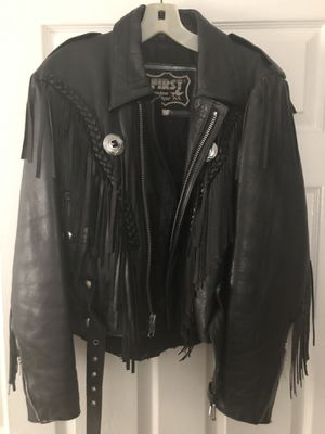 Sharp Ladies leather fringed Jacket for Sale in Fort Myers, FL