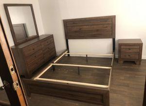 Queen size bedroom set NEW for Sale in Phoenix, AZ