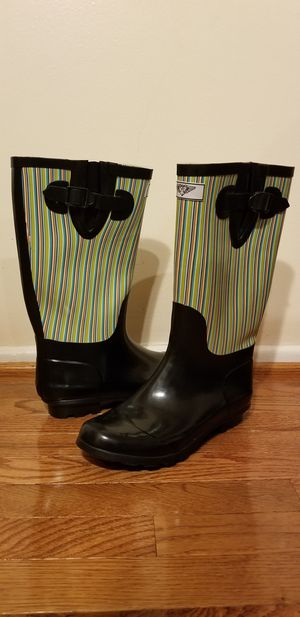 Forever Young womens striped size 9 us in like new condition for Sale in Fairfax, VA