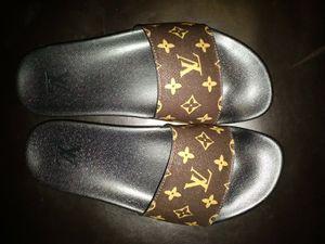 Louis Vuitton men's slides size 11 for Sale in Dallas, TX