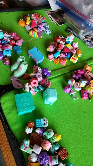 Over 100 shopkins loose toys ALL FOR $30 for Sale in Clovis, CA