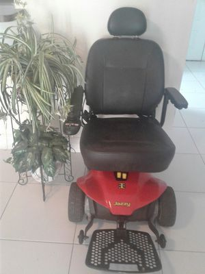 Power wheelchaire for Sale in Fort Lauderdale, FL