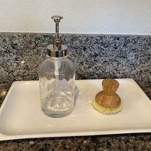 White Tray And Soap Dispenser for Sale in Atwater, CA