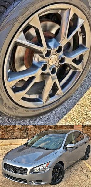 $1200 Nissan Maxima for Sale in Mesa, AZ