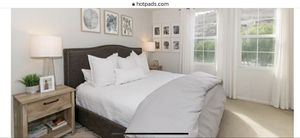 King sized headboard and bed frame for Sale in Lake Forest, CA