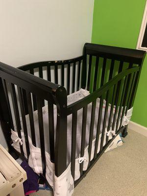 Convertible mini crib with mattress for Sale in Gainesville, VA